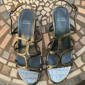 Pewter sandals with crocodile look